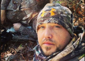 Jason Aldean Hunting